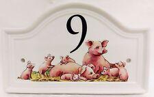 Famiglia di maiale scena CASA PORTA NUMERO PLACCA Fattoria Maiale in ceramica casa segno QUALSIASI NUMERO