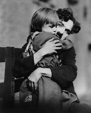 Charlie Chaplin and Jackie Coogan UNSIGNED photo - B3176 - The Kid
