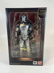 S.H.Figuarts Bandai Star Wars The Force Awakens Captain Phasma Action Figure.