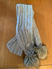 Abercrombie and Fitch Gris Bobble Bufanda
