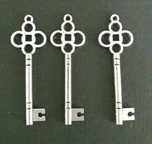10 Tibetan Antique Silver Skeleton Keys Charm Pendant 46mm TSC91