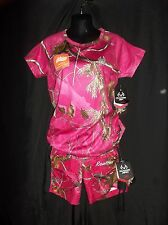REALTREE HOT PINK Ladies Top & Cargo CAMOUFLAGE Shorts Size MEDIUM SET Lot of 2