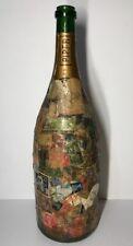 Ancienne Bouteille Piper Décoré D'une Collection De Timbres H 37,5 Cm