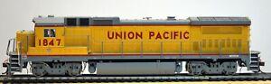 ATLAS HO Scale DASH 8-40B UNION PACIFIC Diesel Locomotive #1847: DCC w/Sound