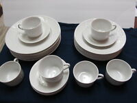 ROYAL WORCESTER GOURMET 24 PIECE PLACE SETTING FOR 6 COPYRIGHT 1986 XLNT COND