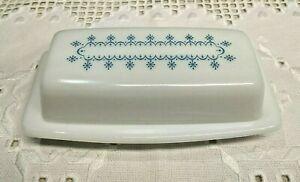 Vintage Pyrex SNOWFLAKE 1/4 lb Butter Dish Blue on White