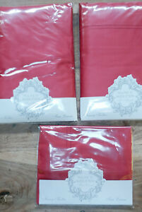 Nancy Koltes Linens - King Fitted and Flat Sheets and Pair of King Cases NEW