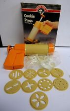 COOKS TOOLS 2 COOKIE PRESS AND ICING SET 10 COOKIE DISCS 6 DECORATING TIPS
