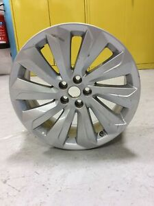 Land Rover Discovery Sport 19 Inch Alloy Wheel LR127602