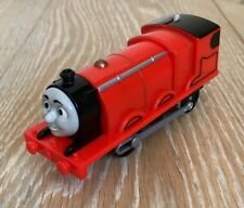EXC COND TRACKMASTER  THOMAS TANK JAMES BATTERY OPERATED TRAIN