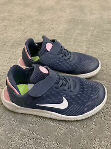 NIKE Free Girls athletic running Shoes size 2 youth Blue Pink AH3455-402 Euc