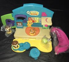 Leap Frog Learning Friends School Playset w/4 Animal Figures New Pieces