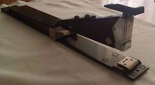 Cucitrice da tavolo RAPID 12, alti spessori e braccio lungo