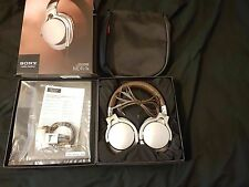 SONY MDR-1R OVER EAR STEREO HEADPHONES - BROWN/SILVER - NEW