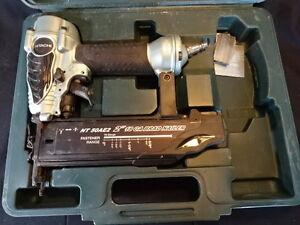 "Hitachi NT 50AE2 2"" 18 GA Brad Nailer Gun W Case, Brad Nails, & Instruction Book"