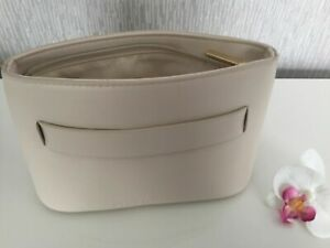 PACO RABANNE CREAM FAUX LEATHER COSMETICS/CLUTCH/ MAKE UP BAG/POUCH CARRY HANDLE