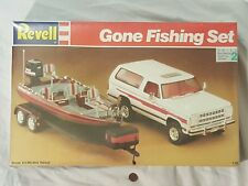 NEW Revell Gone Fishing Set 1:25 Ramcharger Truck Ranger Comanche Boat Model Kit
