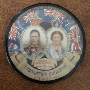 Souvenir Pin Badge 1937 Coronation Lapel Brooch Pin Badge. Rear Clasp Is Missing