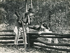 CHASSE c. 1950 - Chasseuse Fusil  Chien  Gibier  USA  - DIV8415