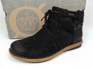 Born TARKILN Women Ankle Boots Black Leather Suede Flat Booties Size 7.5 M NEW,