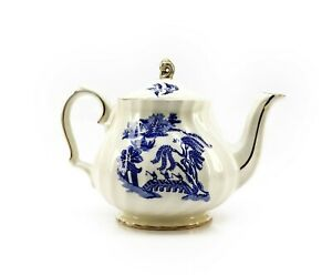 Vintage Sadler Willow Pattern Porcelain Teapot England