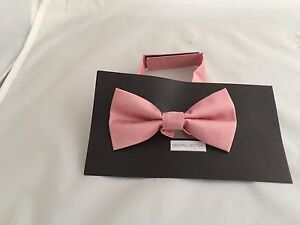 << NEW >> Dusky Pink Polyester BOYS Ready Pre-tied Bow tie > P&P 2UK > 1st Class