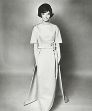 Jackie Kennedy UNSIGNED photograph - L4018 - In 1961 - NEW IMAGE!!!