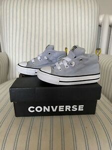 Converse All Stars Boys Grey Street Mid Boots/trainers - Size 6
