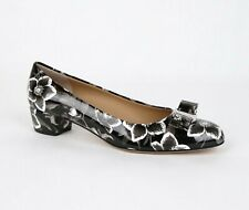 Salvatore Ferragamo Vara 6 Black/White Patent Leather Floral Pump 0688976
