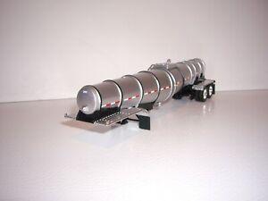 DCP FIRST GEAR 1/64 SILVER AND BLACK POLAR DEEP DROP TANKER TRAILER