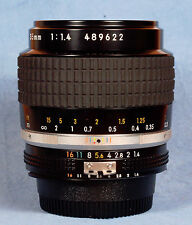 Nikon NIKKOR 35mm f/1.4 Ai-S Lens AIS Manual Focus **READ** W/ Caps