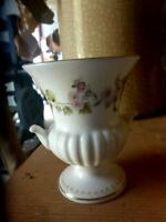 BEAUTIFUL WEDGWOOD  FLORAL  VASE 9CM  MADE IN ENGLAND