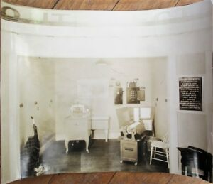 Exhibit of 1920s Home Conveniences 8x10 Photograph: Vacuum Cleaner, Electric, +