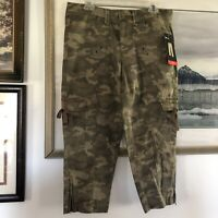 Style & Co Green Army Camoflauge Camo Print Cargo Capri Pants Sz 10 New A1234