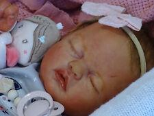 """Reborn baby doll ( Bébé Reborn Réaliste )  """" Vivia """" de Mélodie Hess par JENNY"""