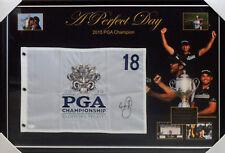 JASON DAY 2015 PGA GOLF CHAMPION HAND SIGNED & FRAMED FLAG JSA JAMES SPENCE