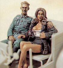 "Legend 1/35 ""Comrade, Mon Amour"" German Soldier w/Girl WWII (2 Figures) LF0061"