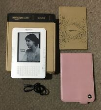 "Amazon Kindle 2 (2nd Generation) 2009 White 2GB Wi-Fi 6"" screen with case bundle"