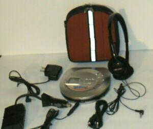 AIWA XPZ5C Portable MP3/CD Player Bundle