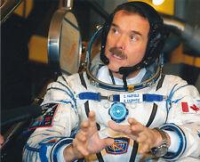 Chris Hadfield UNSIGNED photo - 2392 - Canadian astronaut