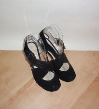 NEW Clarks womens TYRA ASHA black suede heeled shoes size 3.5