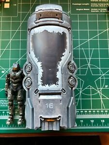 McFarlane Halo 4 UNSC Cryotube with Master Chief Complete Great Condition