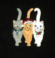Gray White Orange Striped Brooch New Cats Pin Christmas Hat Holly Trio Kittens