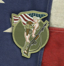 BAR GIRL PINUP COMBAT RIFLE USA HOOK BADGE MILITARY MORALE PATCH - COLOR