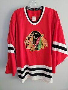 Vintage 90s CCM NHL Chicago Blackhawks Red Hockey Jersey Men's L