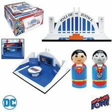 Justice League Pin Mate Wood Hall of Justice with Superman & Bizarro FIgures