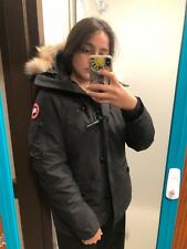 CANADA GOODE AUTHENTIC WOMENS PARKA SIZE L. WORN BUT GREAT CONDITION.