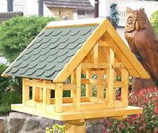 XL Fachwerk Vogelhaus in Eiche hell mit grünen Schindeldach 012