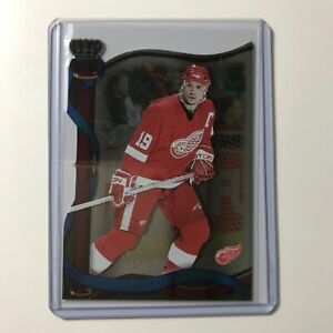 2001-02 Crown Royale Steve Yzerman