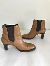 Cole Haan Counrty Chelsea Boots Women's Size 7 1/2 Tan Black Heels